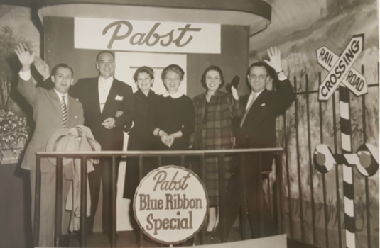 Shown here with their wives at an awards dinner, Arthur (far left) and Harold (far right) cultivated a great relationship with the team at Pabst.